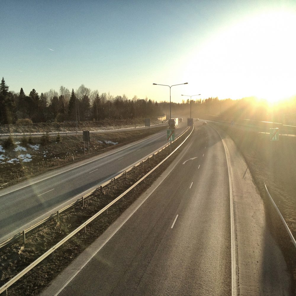 Aurinkoinen autotie